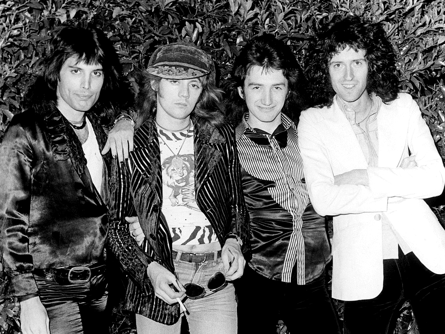 queen-in-1974 usa.jpg