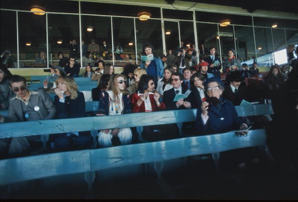 kemptonparkqueen1976.jpg