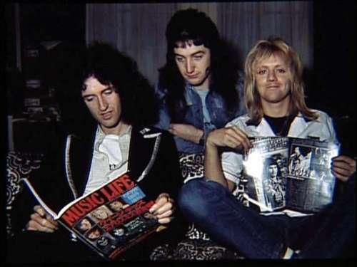 1976-Japan-queen.jpg
