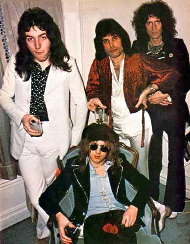 Queen-1975-Japan-queen.jpg