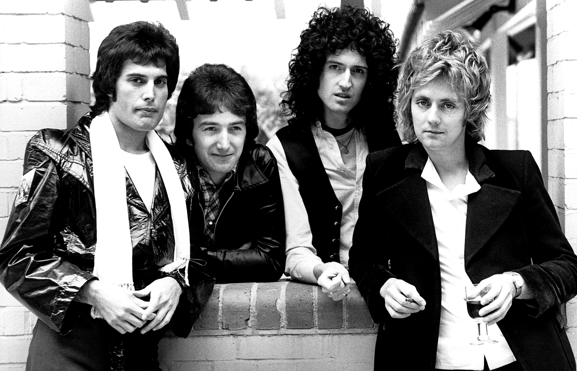 queen-photo-by-chris-hopper-in-1977.jpg