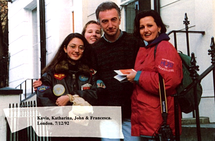 john-deacon-with-fans-1992.jpg