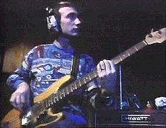 Fender z białymi przetwornikami