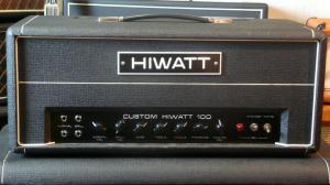 Jeden z modelu wzmacniaczy marko HiWatt - cena ok. 1400 dolarów