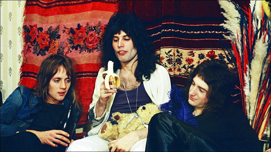 johndeaon1972rogerfreddie.jpg