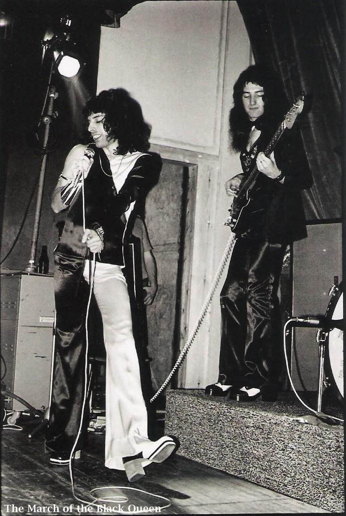 1973.10.26_queen_live_imperial_college_m_rock_01.jpg