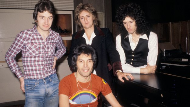 queen_77_bbc.jpg