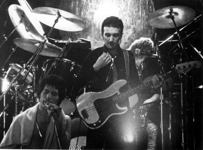 1979-live-at-the-Ahoy-Hall-Rotterdam-queen-31574213-692-513.jpg