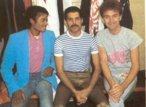 freddie_e_michae-john-deacon-1982.jpg