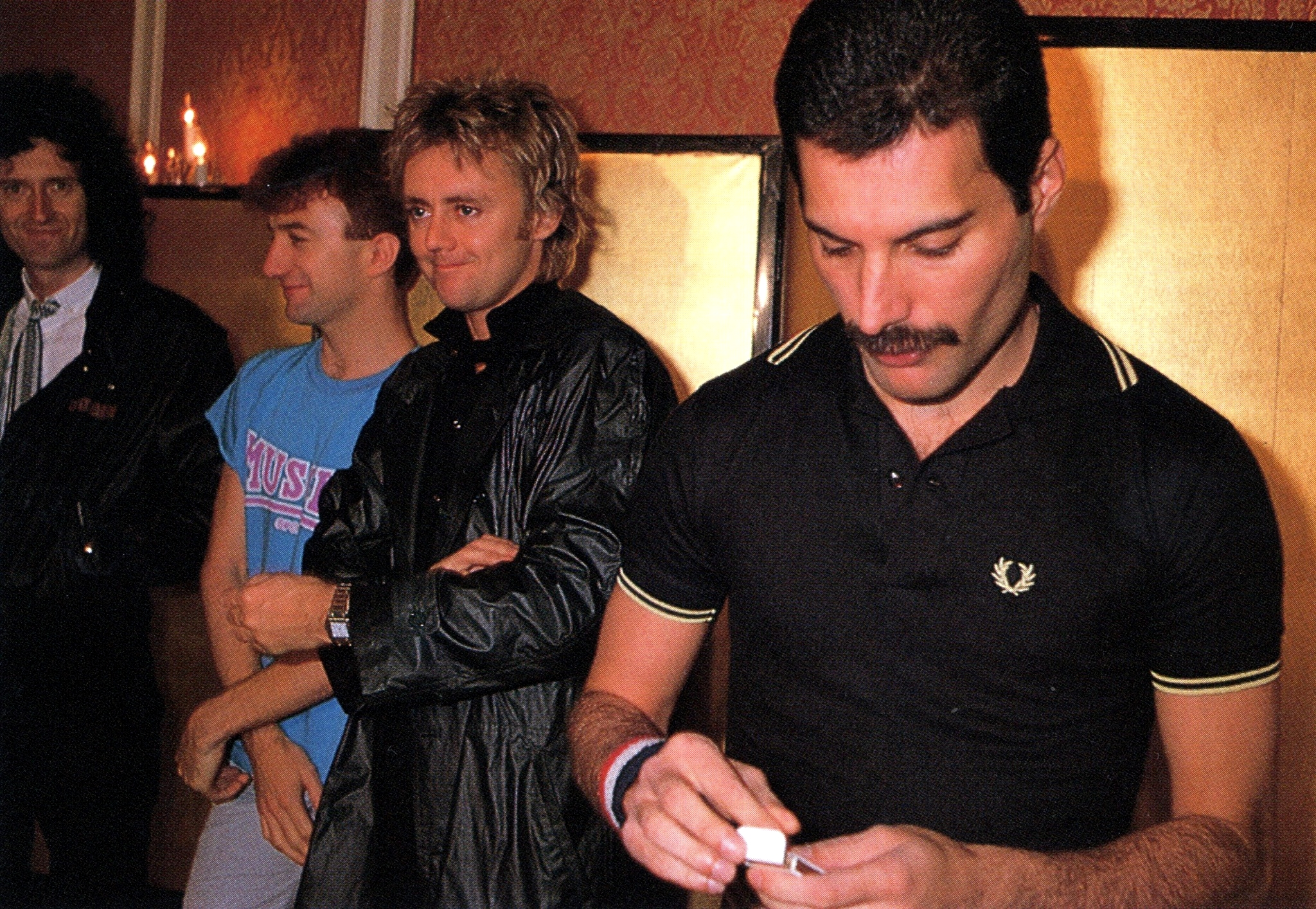 queen-in-japan-1982-photo.jpg