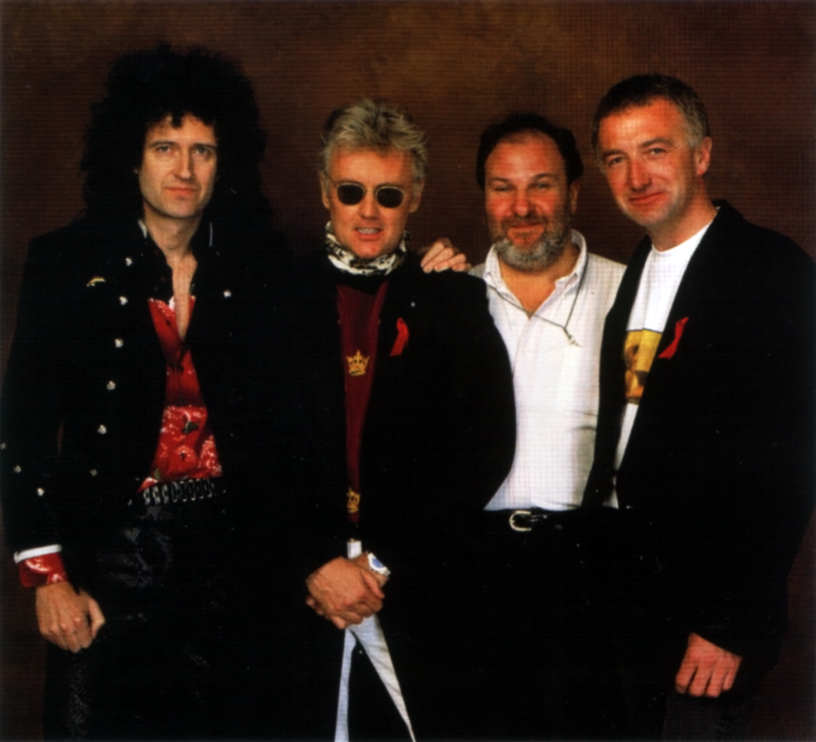 queen-with-harvey-goldsmith.png